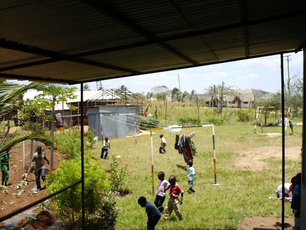 shining-orphans-community